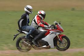 cbr 600 f essai une semaine en honda cbr 600 f moto revue