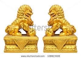 gold lion statues gold lion statue imagen de archivo stock 108823508