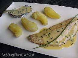cuisiner le bar de ligne filets de bar de ligne beurre blanc aux huîtres et chagne les