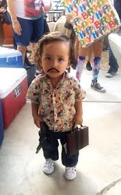 king of queens halloween costume kid in pablo escobar costume sparks halloween debate ny daily news