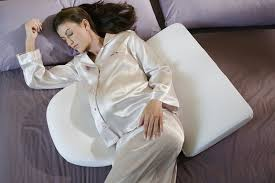 Comfortable Positions To Sleep During Pregnancy Sleeping Positions During Pregnancy Styles At Life