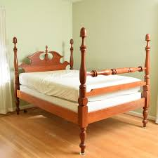 colonial style beds colonial style maple full size bed ebth