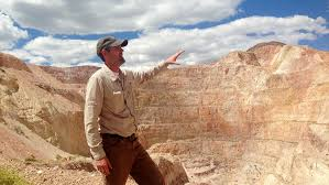 under obama a gold mining firm was fine with a mojave desert