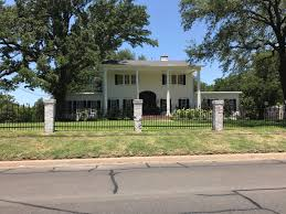 waco texas real estate chip and joanna gaines waco waco texas one of the houses renovated by chip and joanna