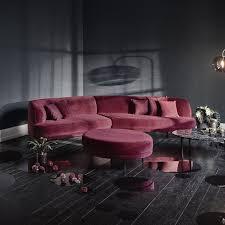 canapé et pouf assorti un canapé bordeaux design à l a forme arrondie pour 4 5 personnes