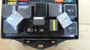 where is the 2005 jaguar xj8 fuse box 2005 jaguar xj8 fuse box