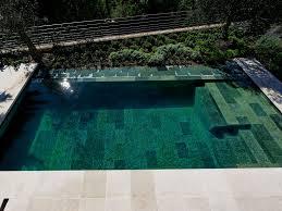 revetement pour escalier exterieur le débordement par l u0027esprit piscine 8 x 3 5 m revêtement en
