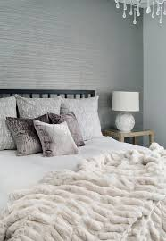 Bedroom Decorating Ideas Grey And White by Top 25 Best Grey Wallpaper Ideas On Pinterest Grey Bedroom