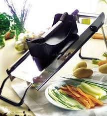 mandoline pour cuisine poussoir mandoline de buyer
