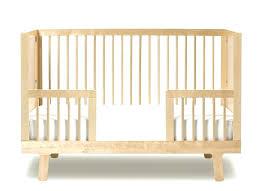 chambre bebe en bois lit bebe bois lit bebe bois blanc lit bb volutif sparrow blanc oeuf