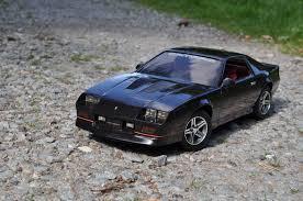 chevrolet camaro iroc z 1985 model car kits hobbydb