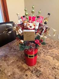 christmas baskets ideas 7640b10b6093b27ba5f1645b78136e33 jpg 736 985 food