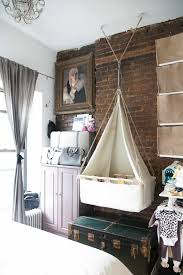 chambre parent bébé chambre enfant lit bebe dans votre chambre peu d espace accroche au