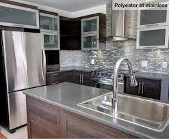stratifié comptoir cuisine cuisine nargi cuisine fermée au plafond avec îlot polyester