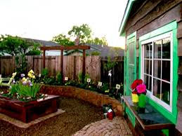 How To Make A Backyard Movie Screen by Yard Crashers Diy