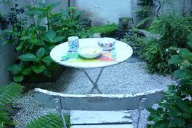 vaisselle petit dejeuner tropismes jeunesse des libellules au petit déjeuner