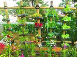 vertical hanging garden innovative ways to reuse old plastic