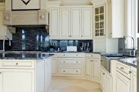 White Kitchen Interior Design  Decor Ideas PICTURES - Backsplash with white cabinets