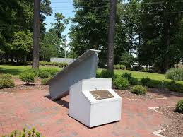 Landscaping Jacksonville Nc by Piece Of World Trade Center Picture Of Veterans Memorial