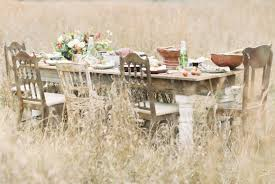 thanksgiving wedding inspiration feast in the field