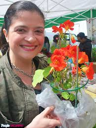 Where To Buy Edible Flowers - alex guarnaschelli how to buy edible flowers great ideas