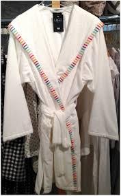 robe de chambre avec capuchon oyez oyez la nouvelle collection de serviettes et peignoirs cawo