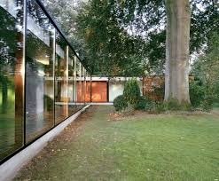 Glass Front House House With Glass Front And Very Old Beech Tree On The Site Digsdigs