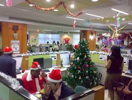 Office Table Christmas Decoration by Christmas Office Decorating Themes Minimalist Yvotube Com