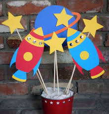 Construction Themed Centerpieces by Best 25 Rocket Birthday Parties Ideas On Pinterest Space Party