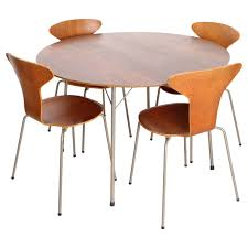 Arne Jacobsen Dining Chairs Arne Jacobsen Dining Set With Four Mosquito Chairs Produced By