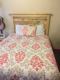 queen sized pallet bed headboard and how to make it u2022 1001 pallets