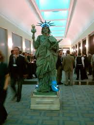 Halloween Party Entertainment Ideas - empire state building living statue smash party entertainment ny