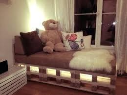 chambre palette deco chambre avec palette chambre ado lit diy palettes bois