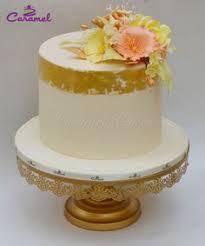wedding cake qatar cupcake flower bouquet by caramel doha qatar customized