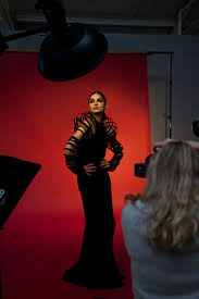 rosa vanon photography works behind the scenes studio lighting setup using one beauty dish and