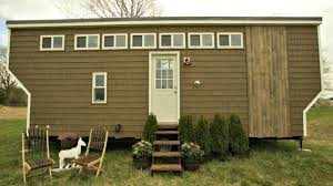 Backyard Tiny House Touch Of Vintage Rustic Interior Tiny House Small Home Design