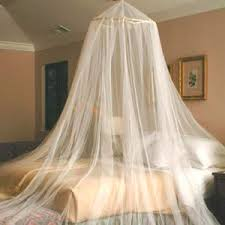 how to make canopy bed decorating diva tips directions to make canopy bed curtains