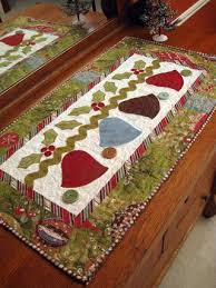 217 christmas table runners mats tree skirts u0026 quilts