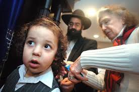 locks of faith orthodox jewish boy gets first haircut at age 3