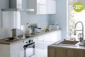 cuisine fly cuisine blanche fly modele cosy ilot en stratifie chene clair