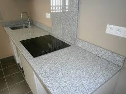 granite cuisine violet cuisine astuce à marbre et granite cuisine idées novatrices