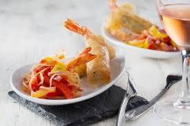 cours de cuisine pays basque recette de croustillant de gambas au basilic piperade comme au pays