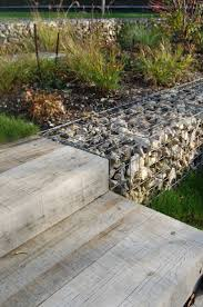 gabion deco jardin 65 best gabiony images on pinterest gabion wall gardens and walls