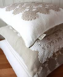 Upcycled Pillows - doily upcycled cushions идеи для дома pinterest boas ideias