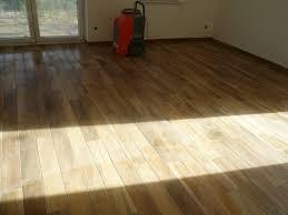 Wohnzimmer Fliesen Wohnzimmer Fliesen Oder Holzboden Carprola For
