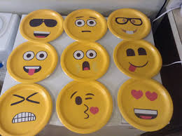 singing emoji best 25 emoji faces ideas on pinterest emoji emoji 1 and emoji