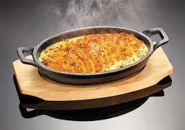 sizzle platter judge sizzle serve cast iron gratin griddle dish with wooden
