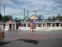 Six Flags Hotel Six Flags New England U0027s Newest Wicked Cyclone Theme Park University