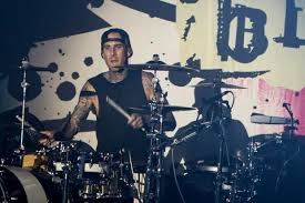 Blink Barnes And Noble Travis Barker Of Blink 182 Will Sign His New Memoir In Orange