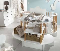 deco chambre bebe original déco chambre bébé une forme très originale pour ce lit nursery